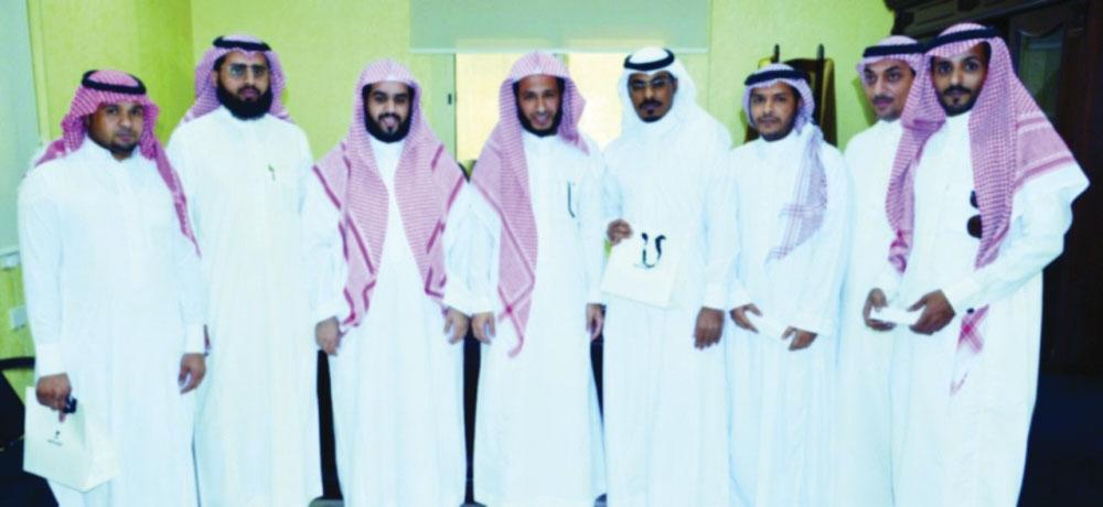 صحيفة مكة :: محكمة التنفيذ بمكة تكرم مميزيها