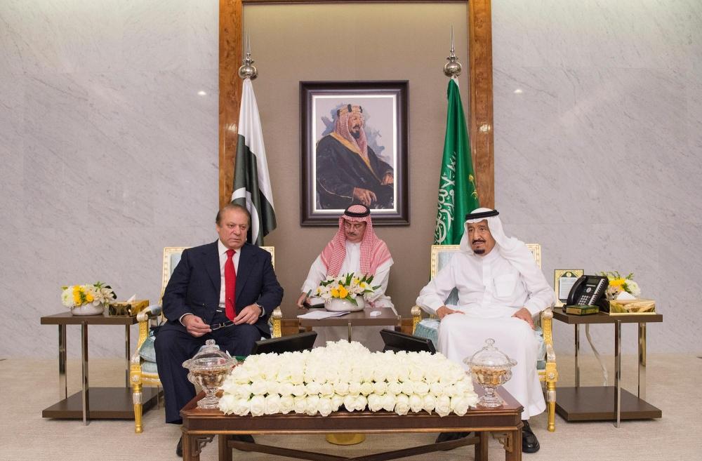 خادم الحرمين يبحث تطورات الأوضاع مع رئيس الوزراء الباكستاني - صحيفة مكة