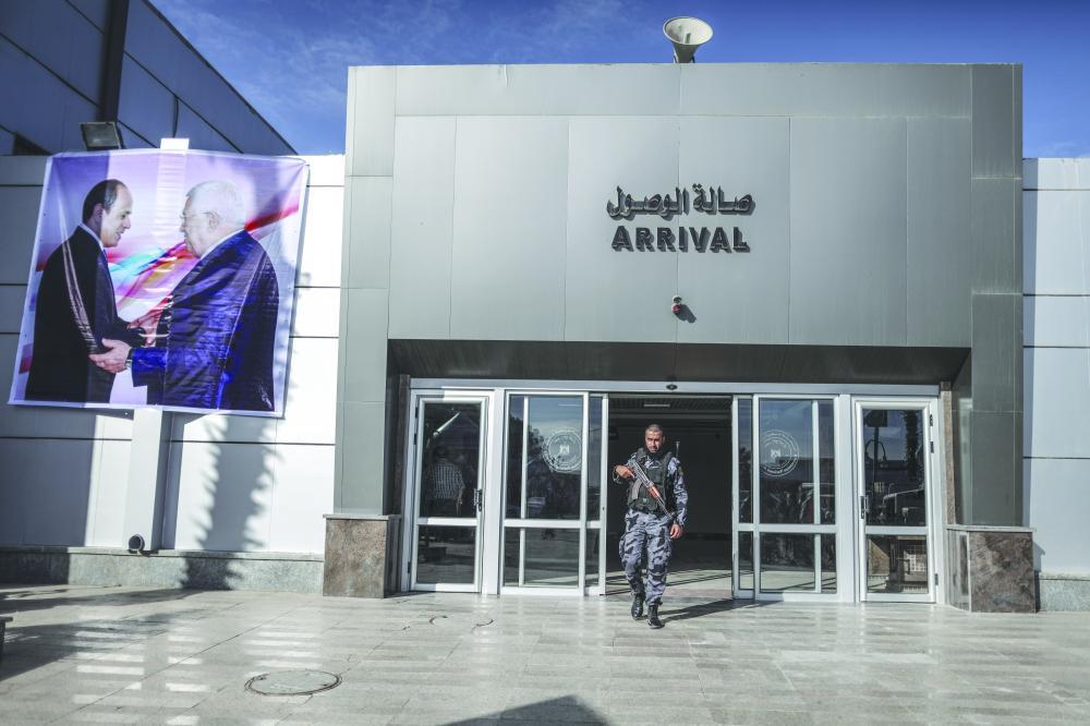 حماس تسلم معابر غزة رسميا عشية مئوية وعد بلفور - صحيفة مكة
