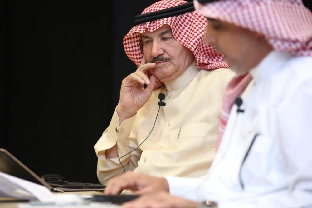 الشبيلي: أبحث في تويتر عن الكتب لا الأخبار - صحيفة مكة