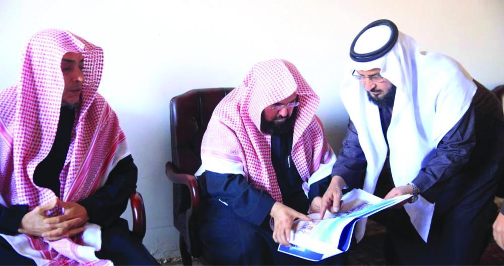 السديس يتفقد متحف دار السلام ويدشن برنامج هيئة الأمر بالمعروف بالمسجد النبوي - صحيفة مكة