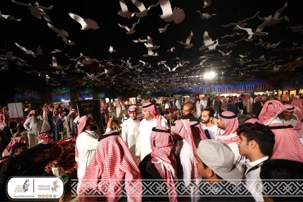 صحيفة: المملكة العربية السعودية تحتضن أكبر تجمع لهواة الصيد بالصقور في العالم
