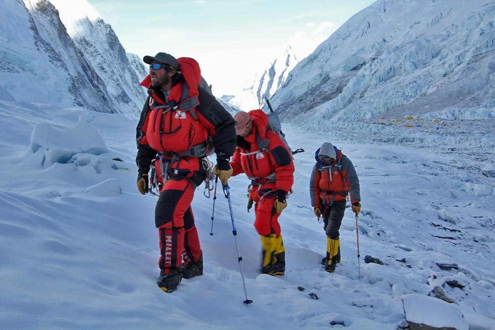mountain climbing expeditions challenged - 1000×667