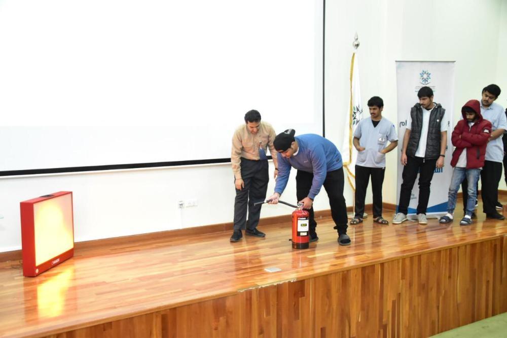 """""""السعودية للكهرباء"""" تدرب 100 طالب على السلامة من الحرائق ..."""
